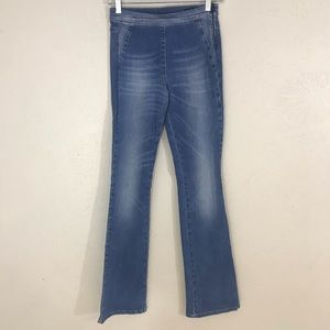 Benetton flare sculpture jeans NWT Size 27